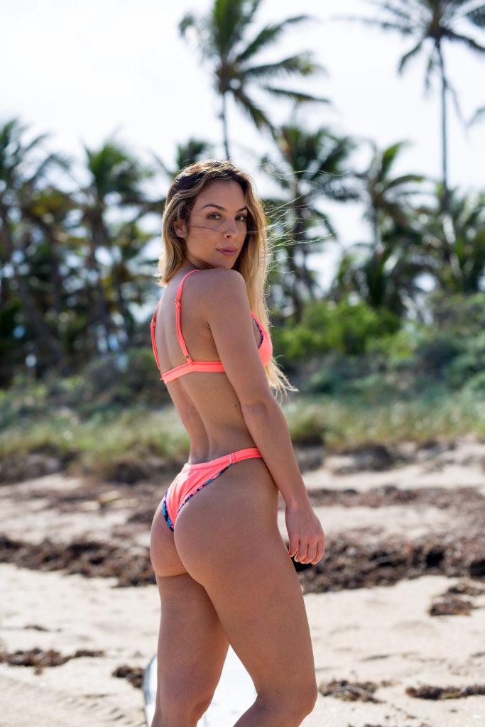 Briana pink bikini. 2jpg 683x1024 Portraits