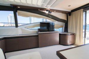 494C0003 300x200 Yachts