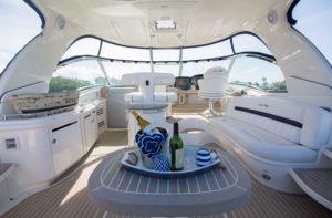 494C0464 300x197 Yachts