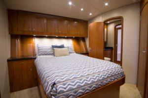 494C3165 300x200 Yachts
