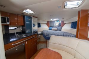 494C3368 300x200 Yachts