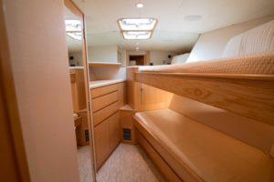 494C7641 300x200 Yachts