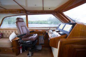 494C8897 300x200 Yachts