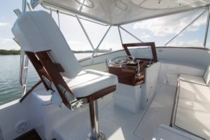 494C9323 300x200 Yachts