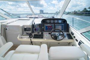 DSC00362 300x200 Yachts