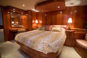 Interior 30 300x200 Yachts