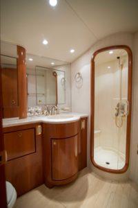 Interior 33 200x300 Yachts